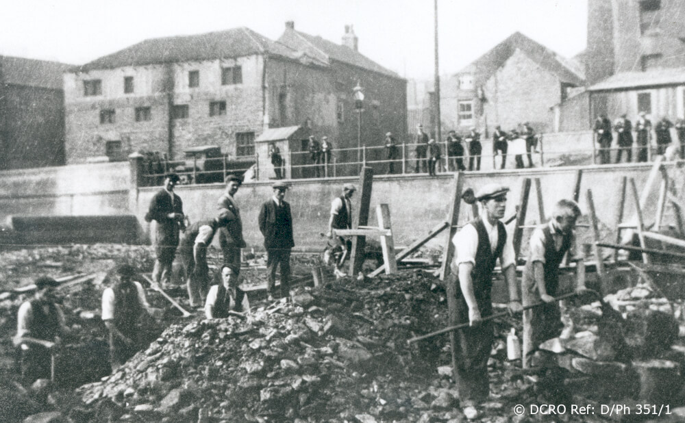 Irish Navvies on River Wear 1935